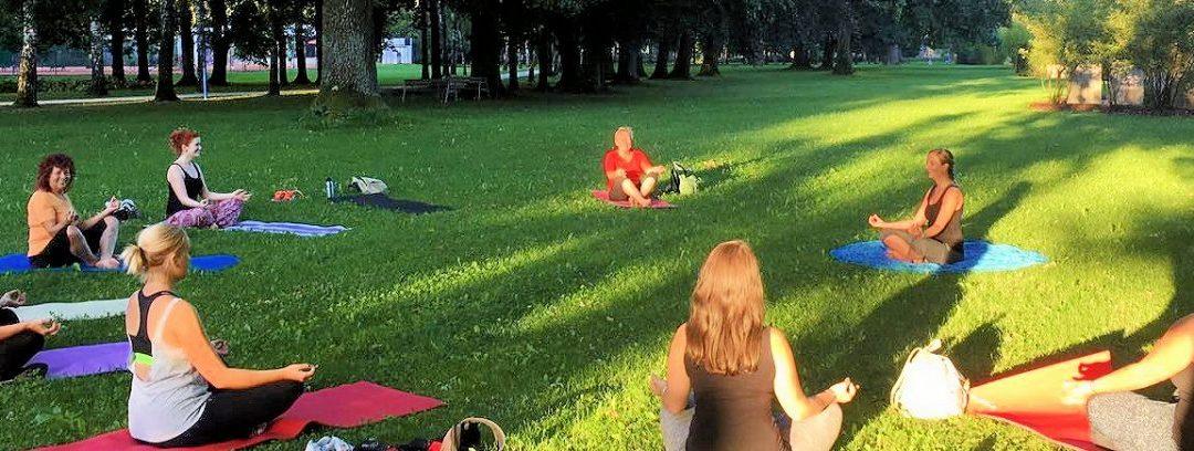 Yogatreff im Park